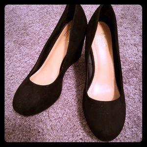 Apt 9 black wedge heels